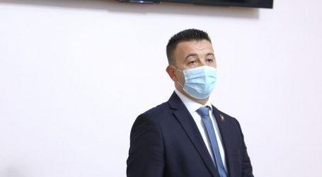 """Pavliček: """"Jednoglasno osuditi inicijativu o isticanju srpskih zastava"""""""