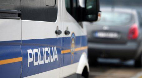 Vozačica se frontalno udarila s drugim vozilom kod Vinkovaca, poginula na mjestu nesreće. Nije bila vezana