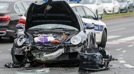 Teška prometna nesreća na području Zeline, jedna osoba poginula, dvije ozlijeđene