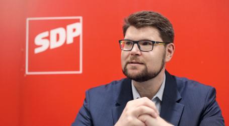 'Nepromišljenim istupom u Tuheljskim Toplicama Bernardić je ojačao Grbinovu poziciju'
