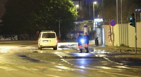 Novo puknuće vodovodnog cjevovoda na zagrebačkoj Trešnjevci, promet obustavljen