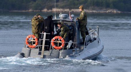 Izgubili se između Šolte i Hvara: Skupina kajakaša 'zalutala' na moru, HGSS tragao cijelu noć