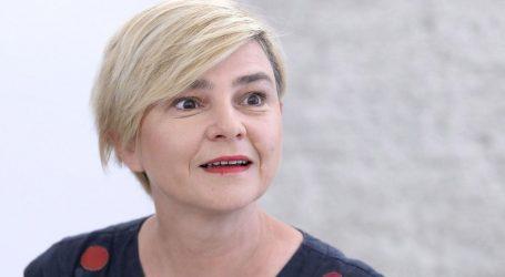 """Sandra Benčić premijeru: """"Da je aktivizam nešto loše vjerojatno vas je naučio vaš prijatelj Orban"""""""