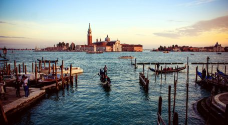Veneciji prijeti porast razine mora od metra, a brana bi u budućnosti morala biti zatvorena veći dio godine