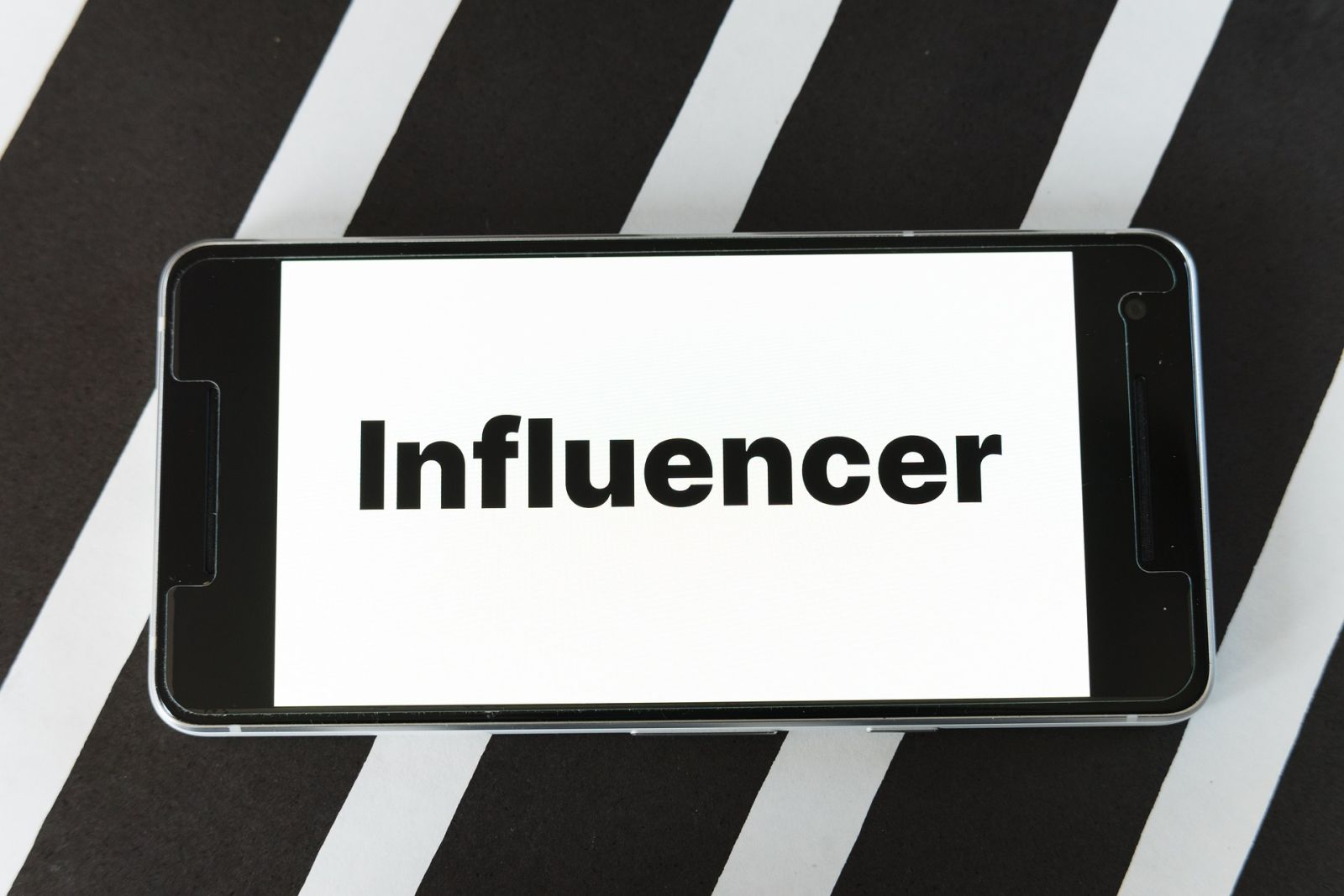 Egipat planira oporezivati influencere: Regulirat će rad blogera i youtubera