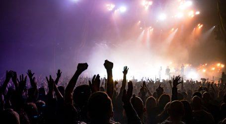 Diljem Europe prosvjedi protiv mjera, Danska ukinula restrikcije: Održan koncert s 50 tisuća ljudi