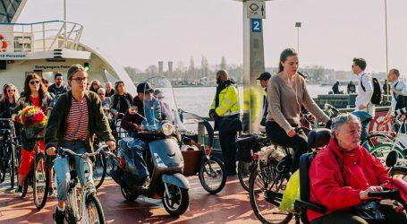 Nizozemci prosvjeduju protiv covid potvrda za ulazak u barove i restorane
