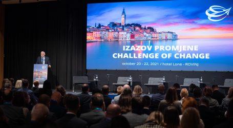"""Održana deseta konferencija """"Izazov promjene"""", središnje mjesto susreta domaće i regionalne financijske industrije i gospodarstvenika"""