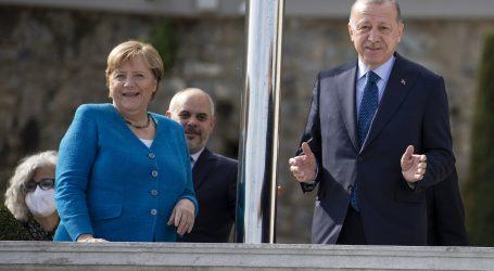 """Oproštajni susret """"drage prijateljice"""" Merkel i Erdogana: """"Nadam se da će se uspješnasuradnja nastaviti"""""""