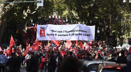 """Talijani ponovno na ulicama: """"Zemlja koja je izgubilapamćenje nema budućnosti! Ne fašizmu i nasilju"""""""