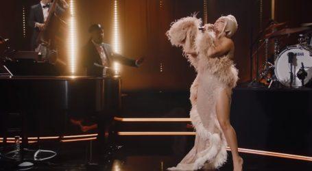 Lady Gaga na predstavljanju novog albuma zablistala u haljinama koje je dizajnirala njena sestra