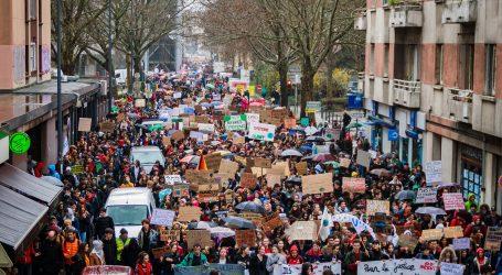 Marširalo na desetke tisuća prosvjednika: Francuzi i Švicarci na nogama zbog covid propusnica