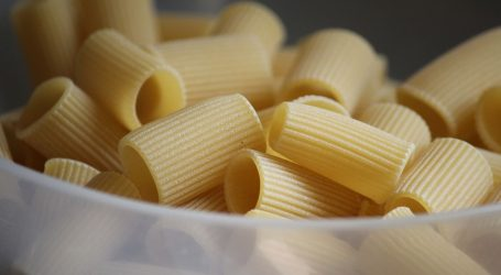 Pripremite ukusnu tjesteninu s kobasicom i endivijom po receptu slavne Lidije Bastianich