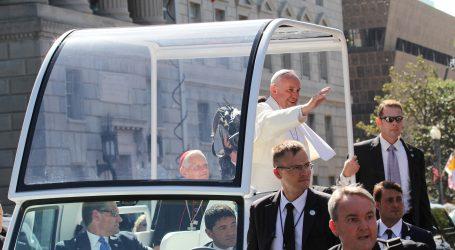 Papa Franjo poručio da će ostati 'gnjavator' u obrani siromašnih pa poslao važnu poruku farmaceutskim kompanijama